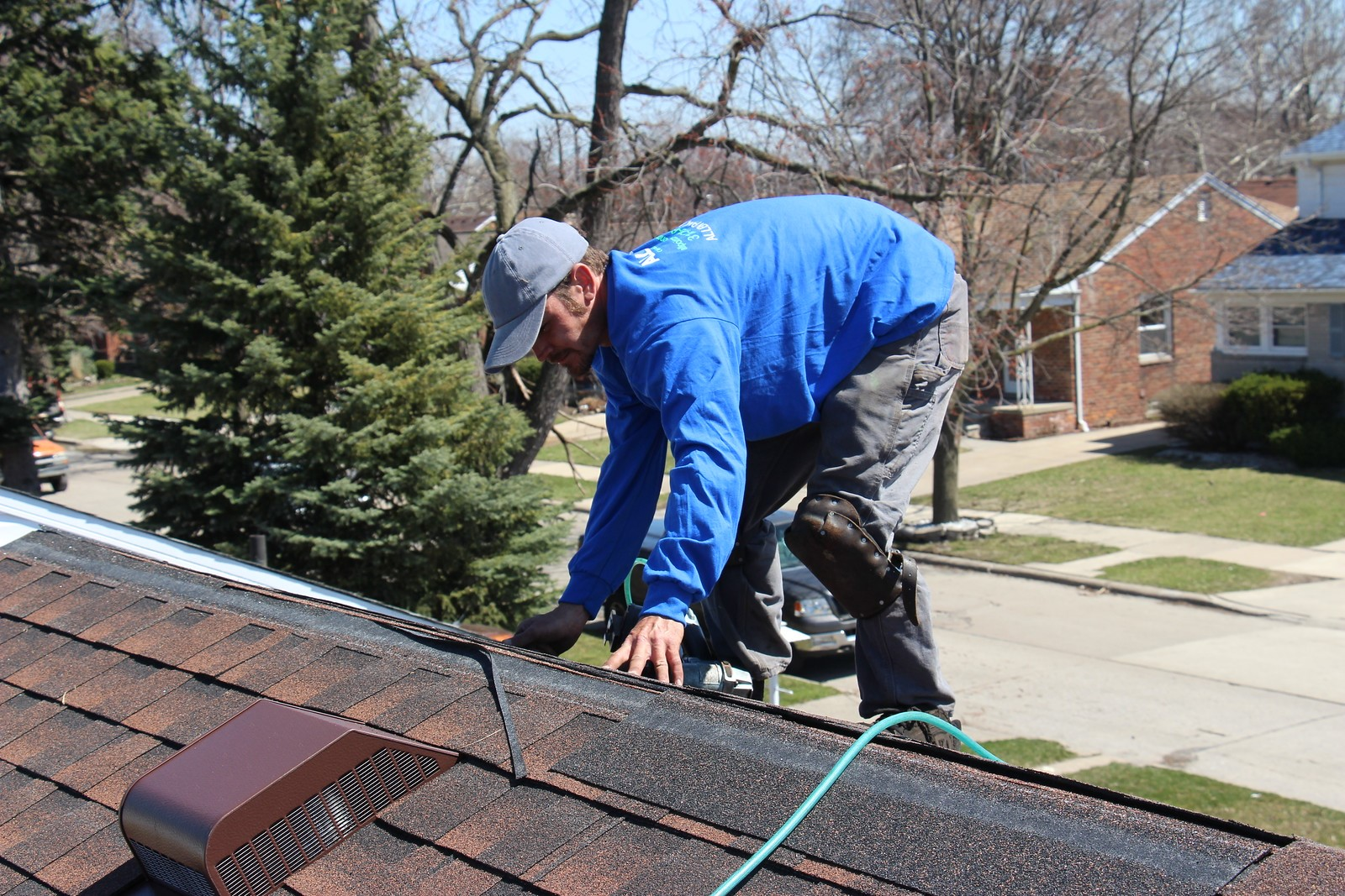 How to Find the Best Roofing Contractor in Northville, MI – Roofing Canton,  Northville, Livonia Michigan